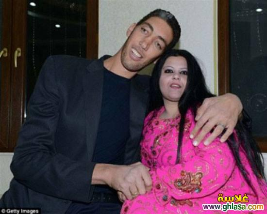 صور حفل زفاف اطول رجل فى العالم على سيدة قصيرة جدا ghlasa1382957913428.jpg