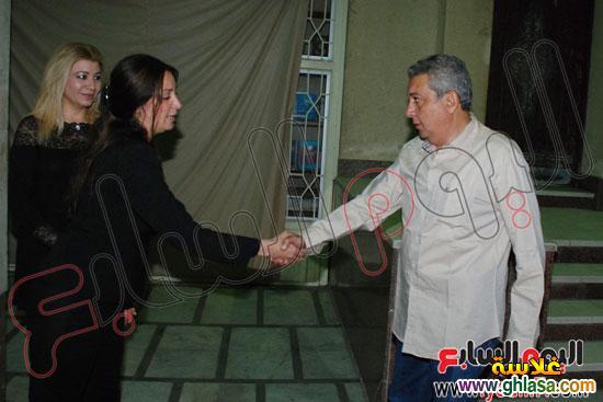 نرمين الفقي وكل فنانين مصر والعرب في عزاء ولدة نرمين الفقي ghlasa138317447961.jpg