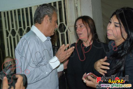 نرمين الفقي وكل فنانين مصر والعرب في عزاء ولدة نرمين الفقي ghlasa13831746998110.jpg
