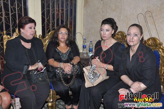 نرمين الفقي وكل فنانين مصر والعرب في عزاء ولدة نرمين الفقي ghlasa1383174949176.jpg