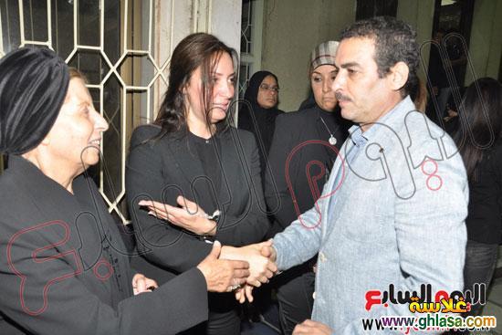 نرمين الفقي وكل فنانين مصر والعرب في عزاء ولدة نرمين الفقي ghlasa13831751711.jpg